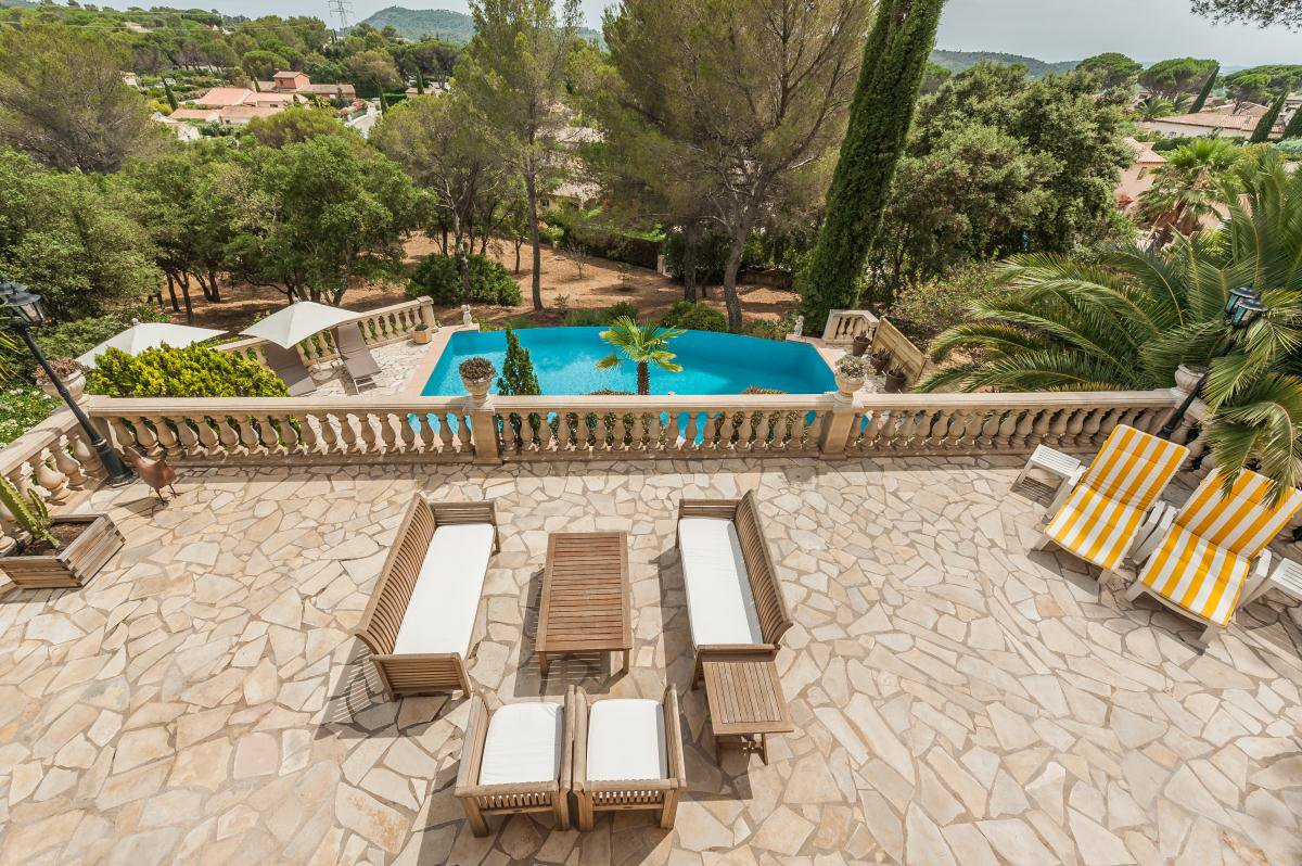 Villa in Saint-Raphaël in the hills of Valescure near golf courses and town center
