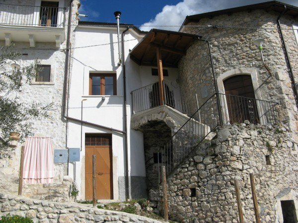 Sale Townhouse - Roccacasale - Italy