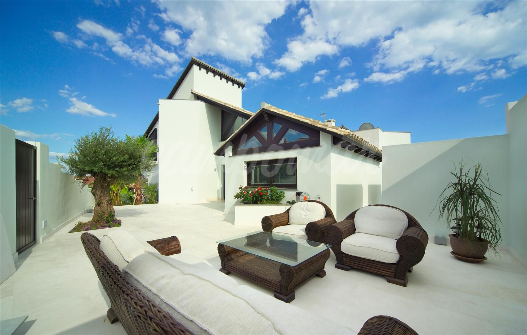 Magnificent almost new detached villa