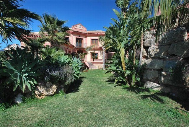 Sale Villa - Estepona - Spain