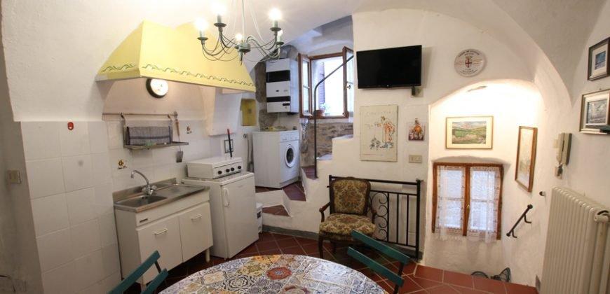 Sale Villa - Cipressa - Italy