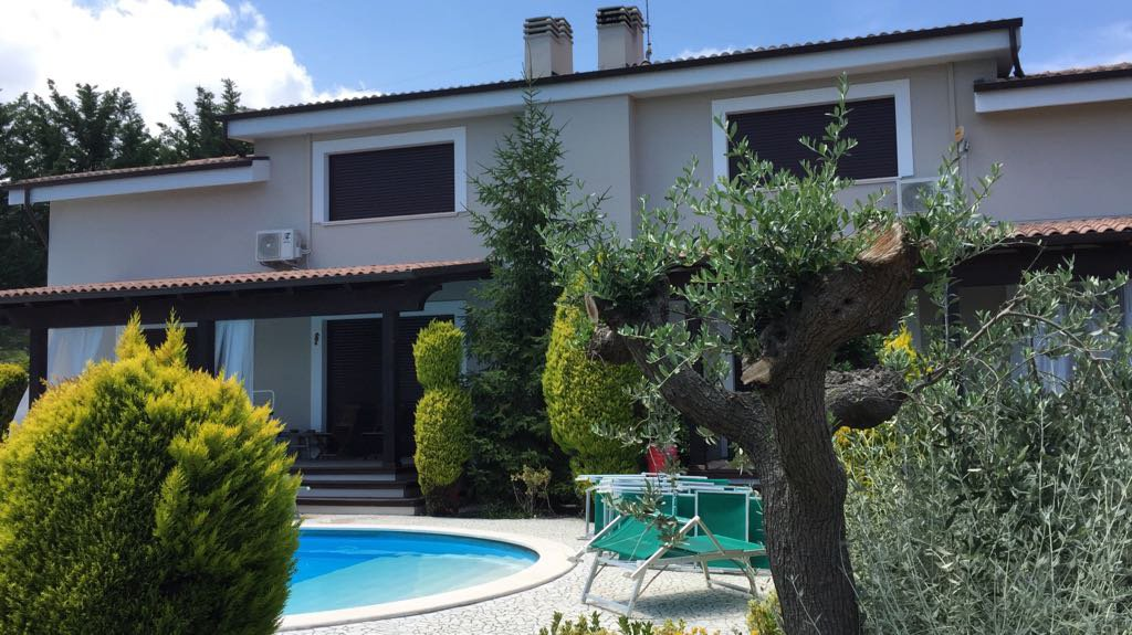 Sale Bed and breakfast - Città Sant'Angelo - Italy