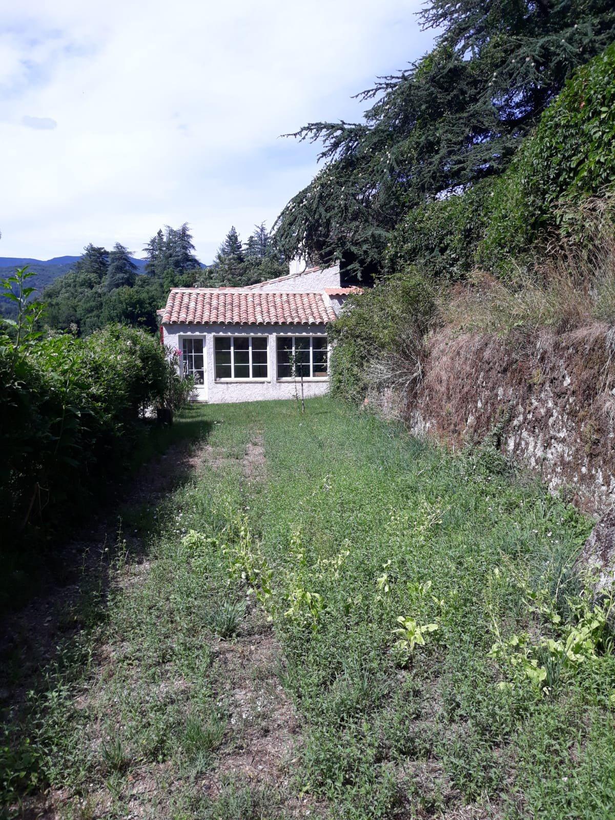 Belle maison de village avec app indépendant