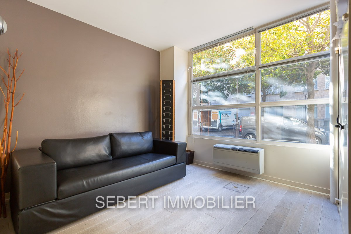 PARIS 3ème - PLACE DES VOSGES (près)