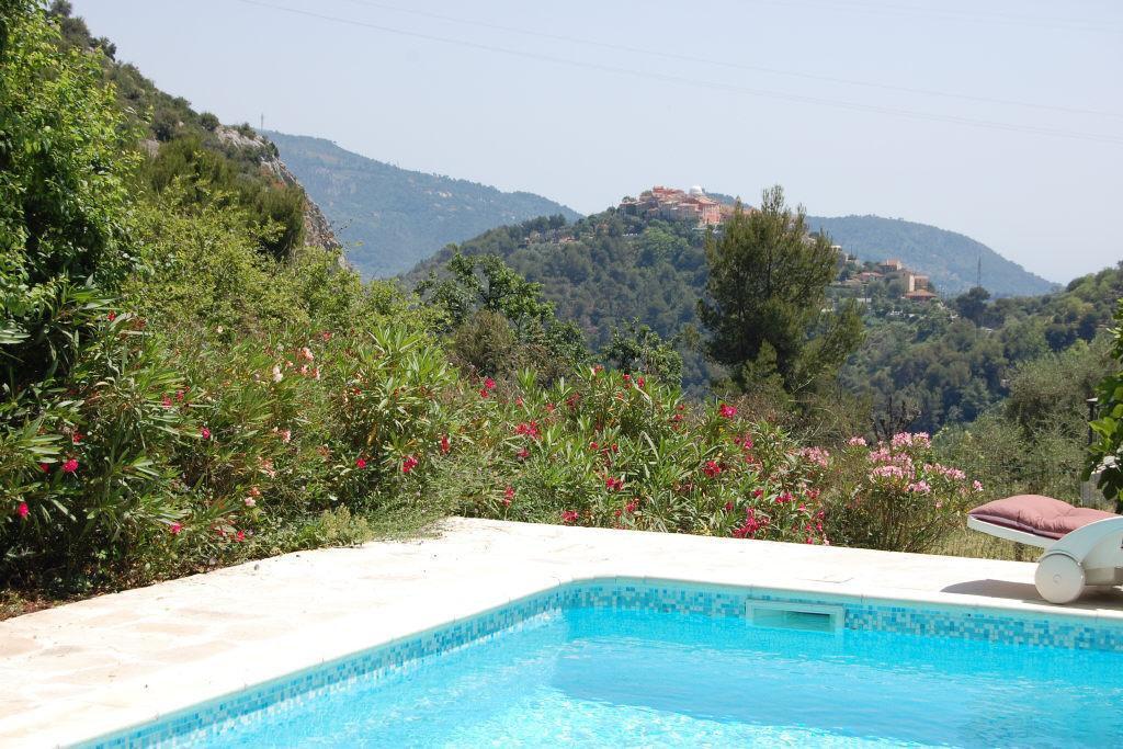 Falicon villa 6p piscine et vue
