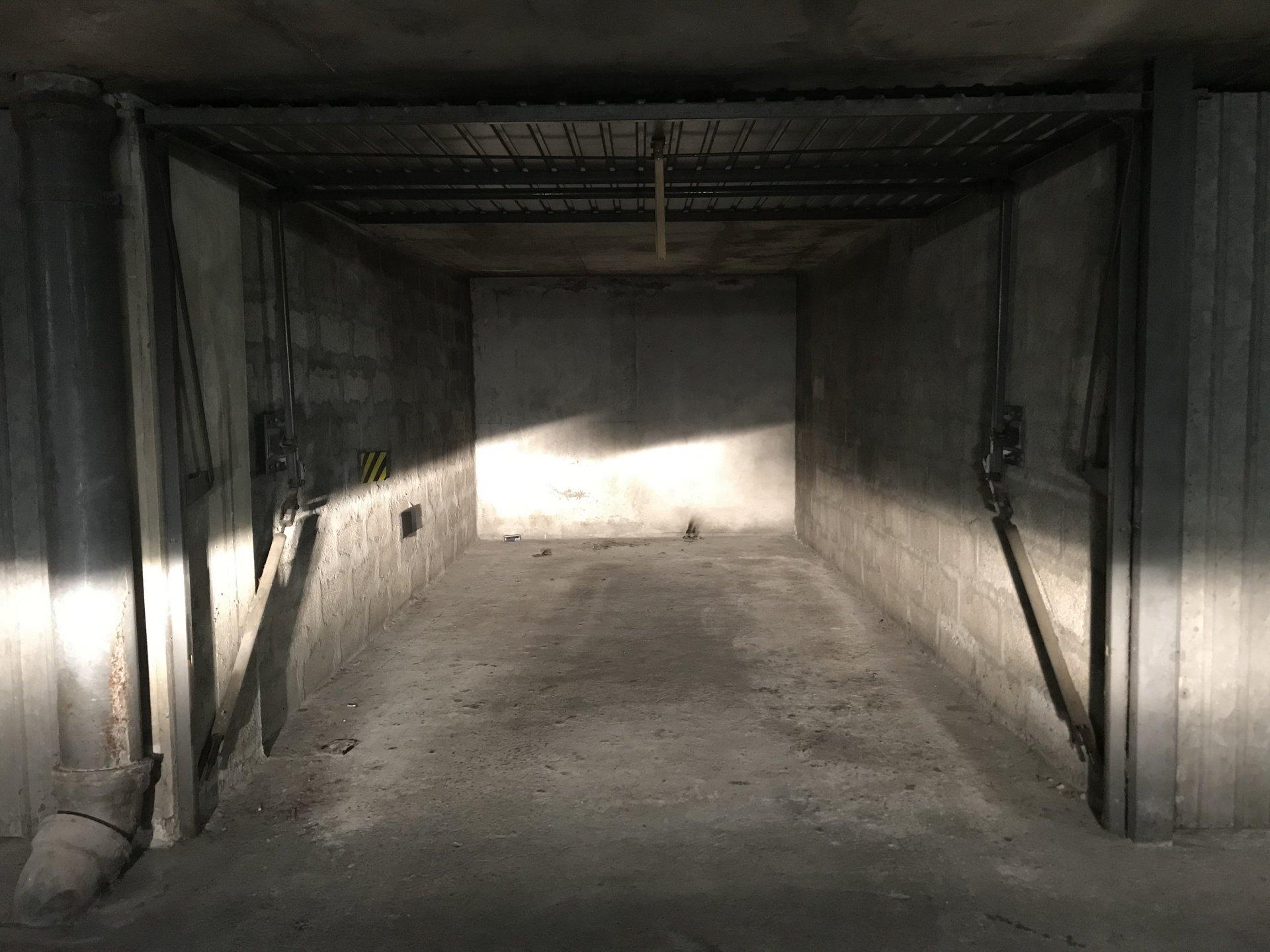 Lyon 6 - Garage sous-sol - 130€