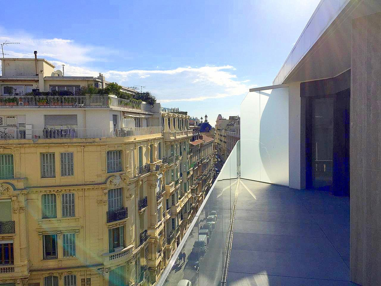 Nice Carre d or 3p neuf terrasse