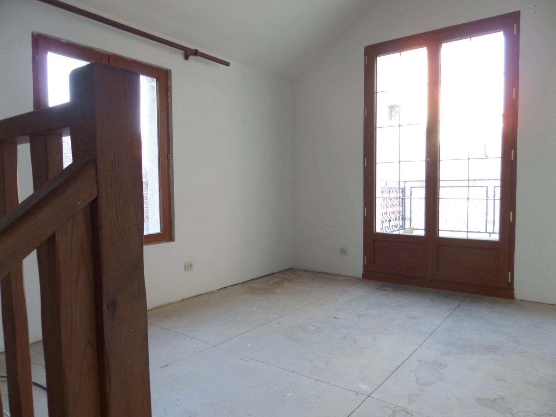 Sale House - La Celle-Saint-Cyr