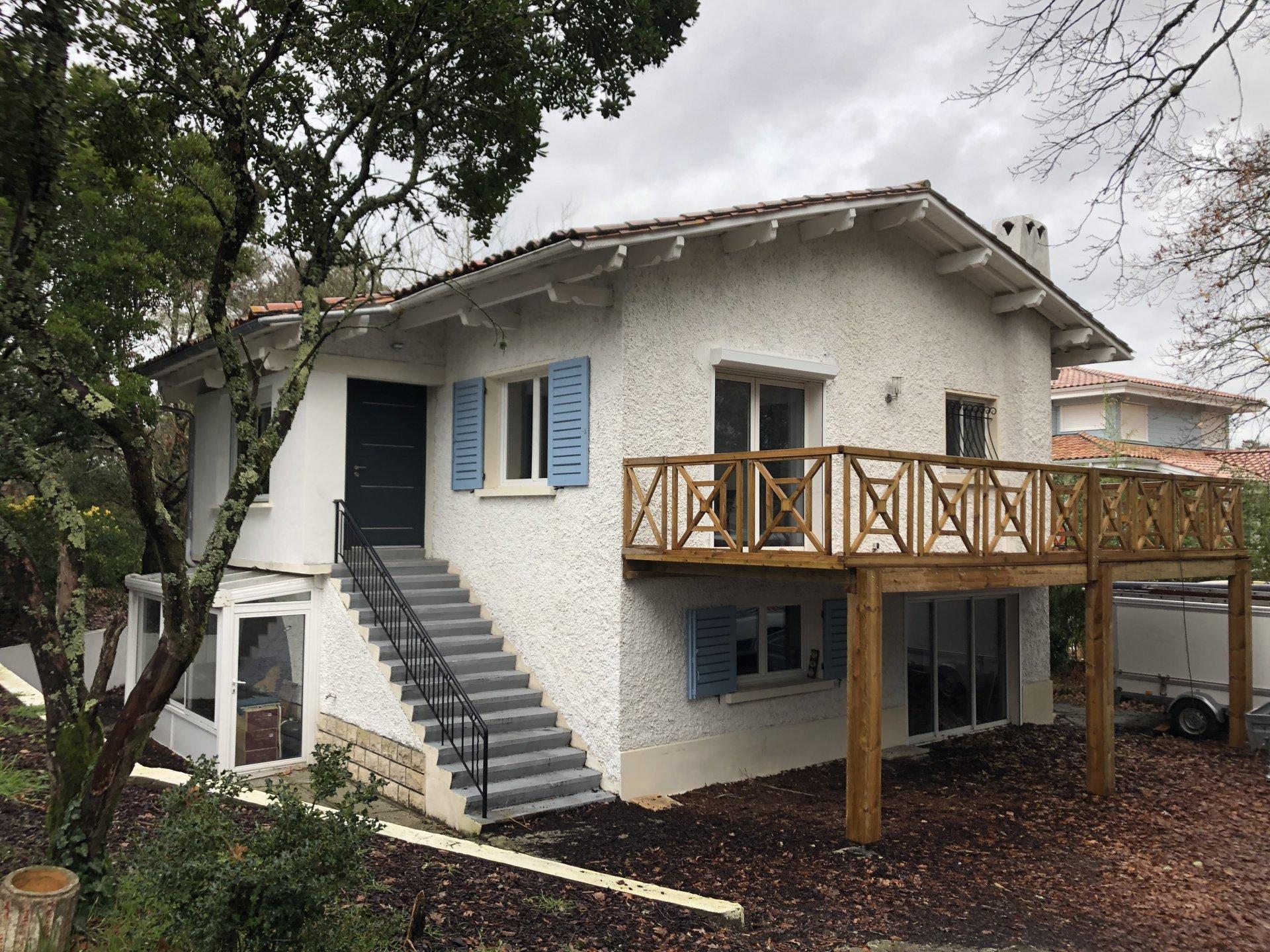 Sale House - La Teste-de-Buch - 580,000 €