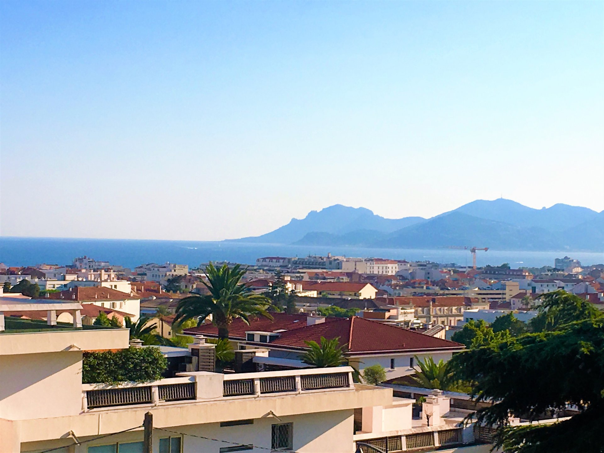 CANNES SALE 3/4 ROOMS HIGH STOREY SEA VIEW RESIDENCE WITH SWIMMING POOL