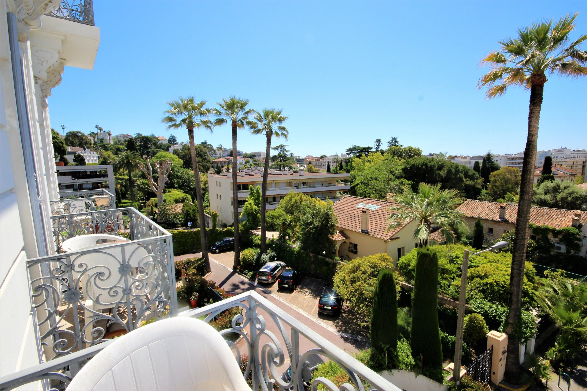 CANNES SALE 5 ROOMS IN BOURGEOIS NEAR CENTER ON FOOT