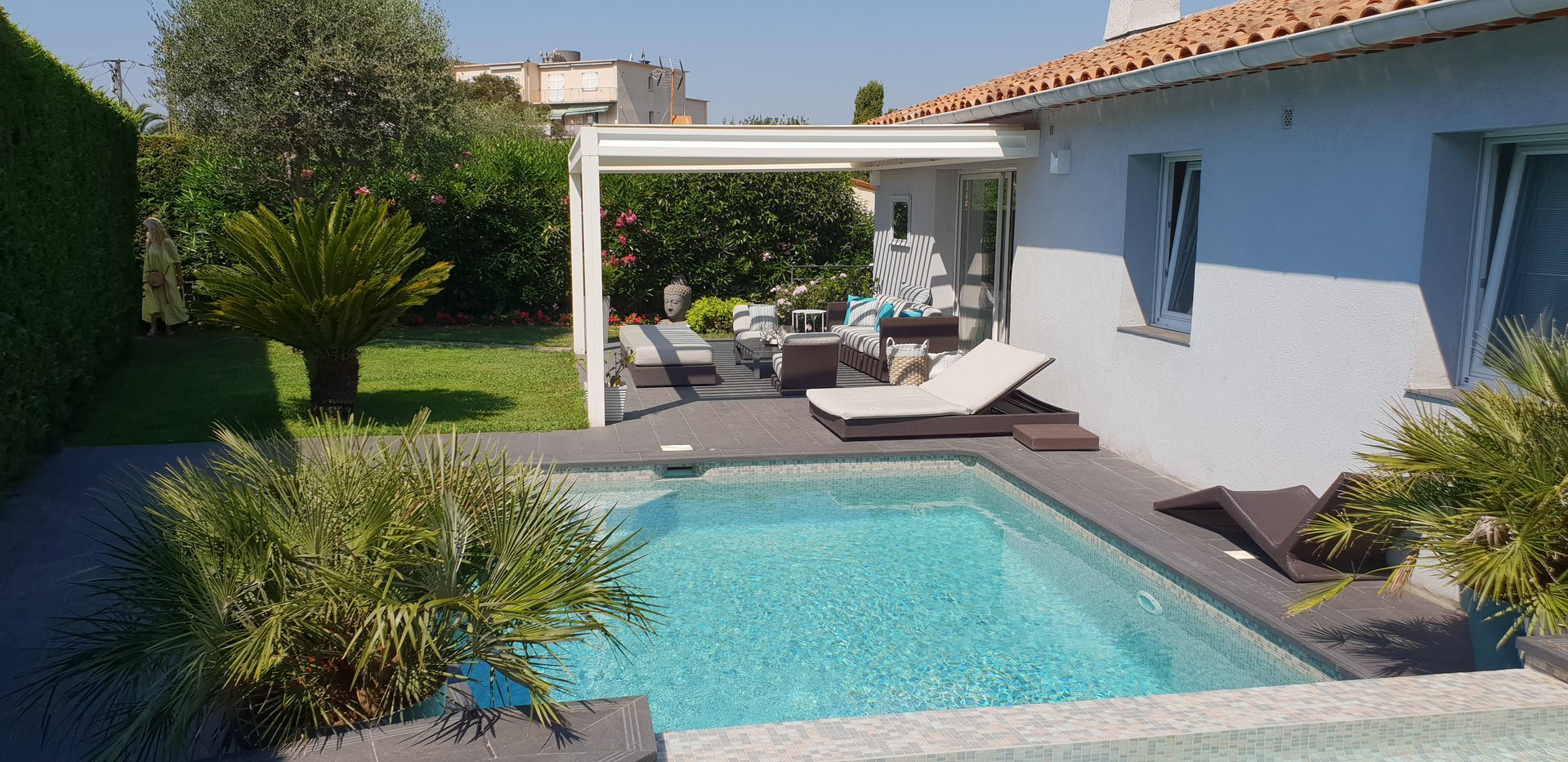 MONTFLEURY LUXUEUSE VILLA CONTEMPORAINE