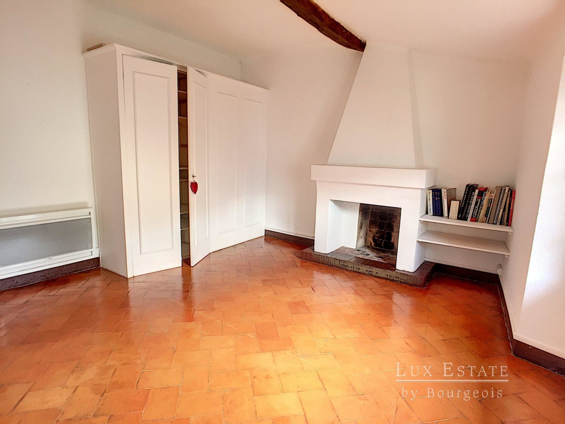 3-rooms flat for rent in Mougins village
