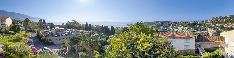 Roquebrune Cap Martin, attico in una nuova prestigiosa residenza con parco e piscina.