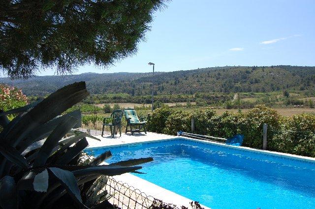 AUDE - Rand dorp, mooie villa met zwembad op 1.509 m2