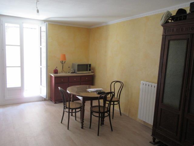 Très belle appartement avec balcon