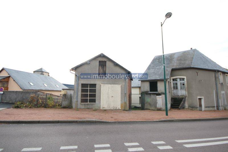 Hartje Morvan, Arleuf-gerenoveerd dorpshuis