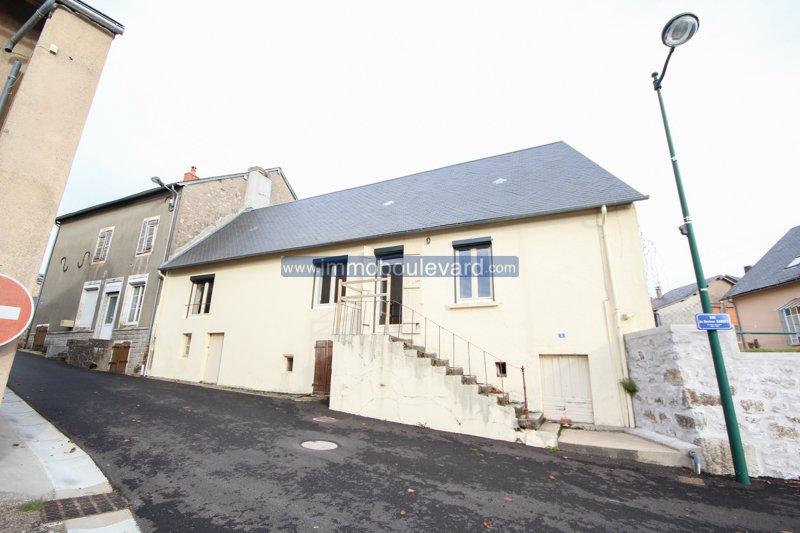 Herz Morvan, Arleuf-renoviertes Dorfhaus