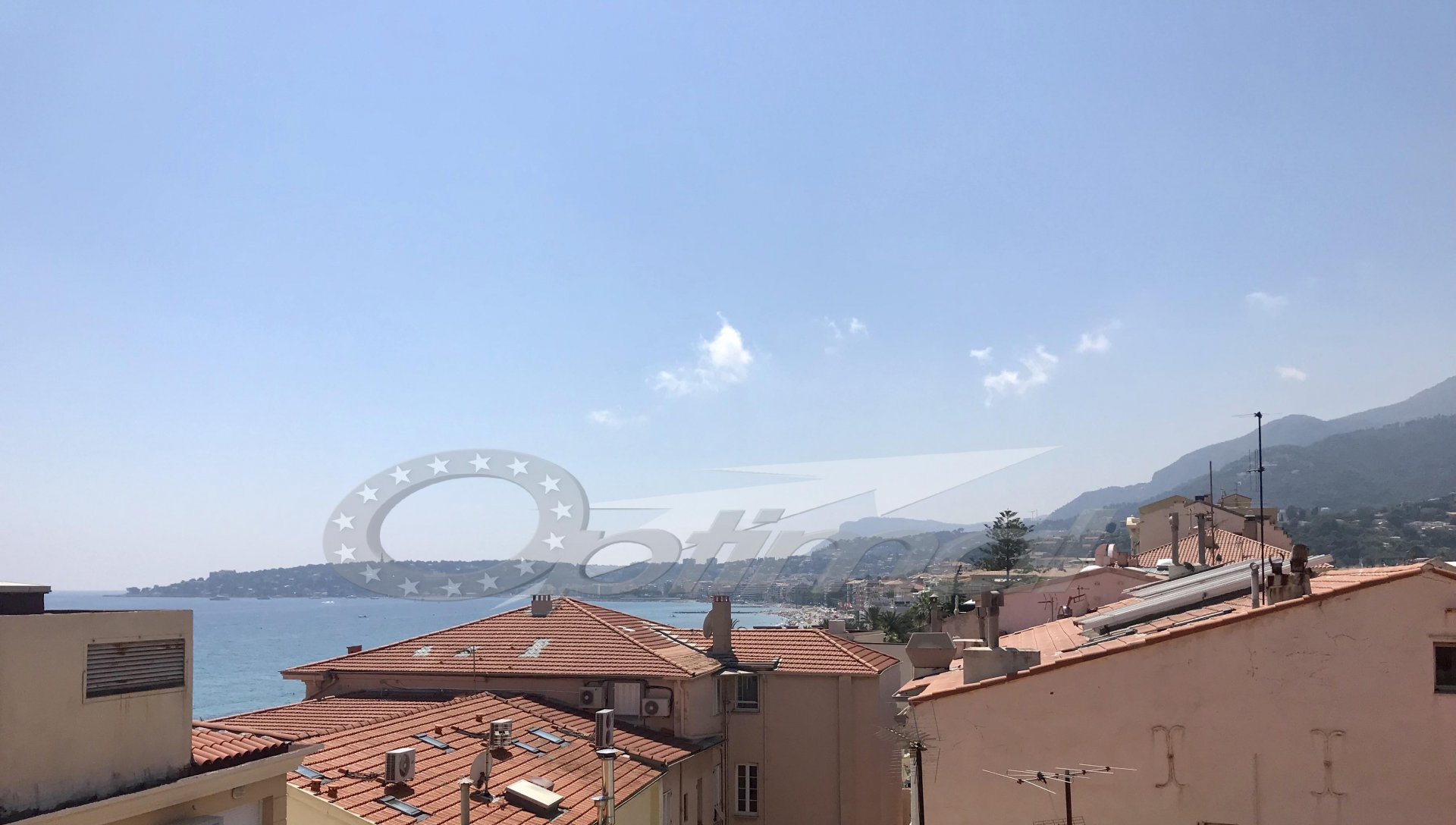 Exclusive Menton town center two rooms with terrace of 41m²
