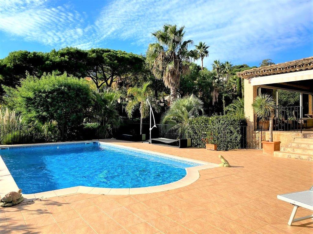 Villa à vendre avec vue mer, proche de la plage