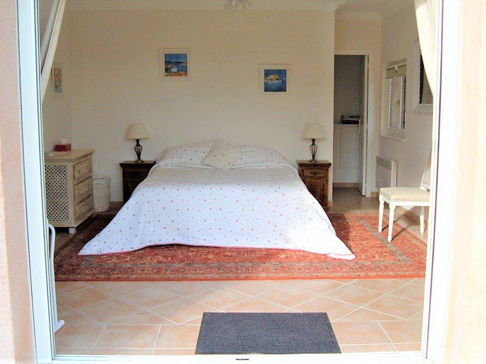 Provençal villa for sale in Plan de la Tour in the center