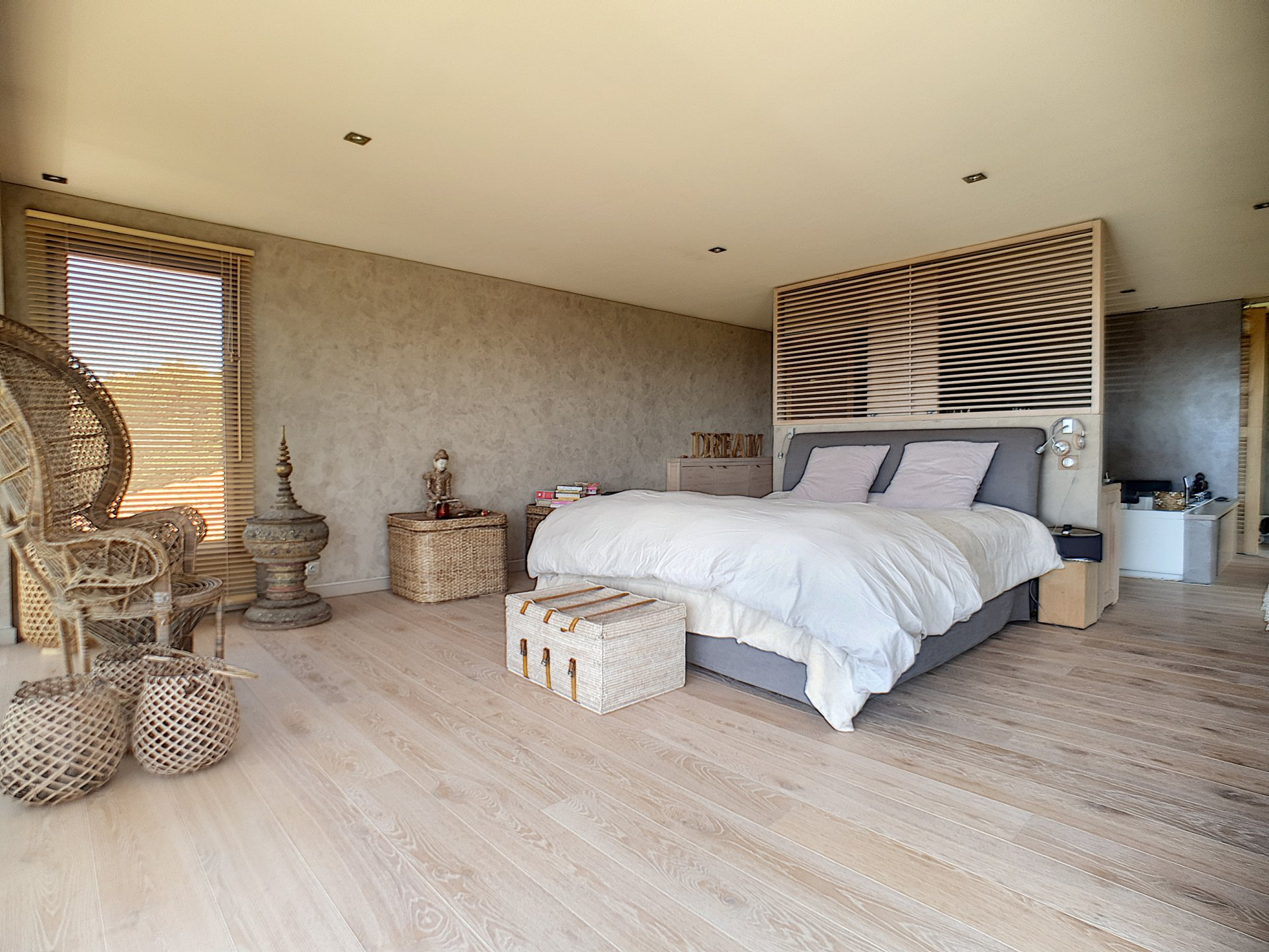 Te koop in Les Issambres Villa met adembenemend uitzicht op zee en charme uit het gewone leven