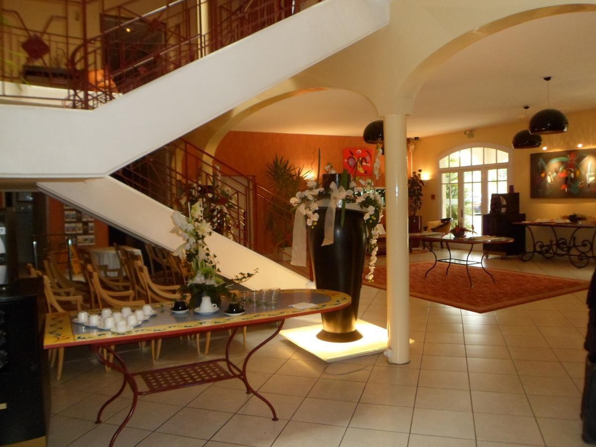 SALES PRICE REDUCTION LUXURY HOTEL PYRENEES REGION
