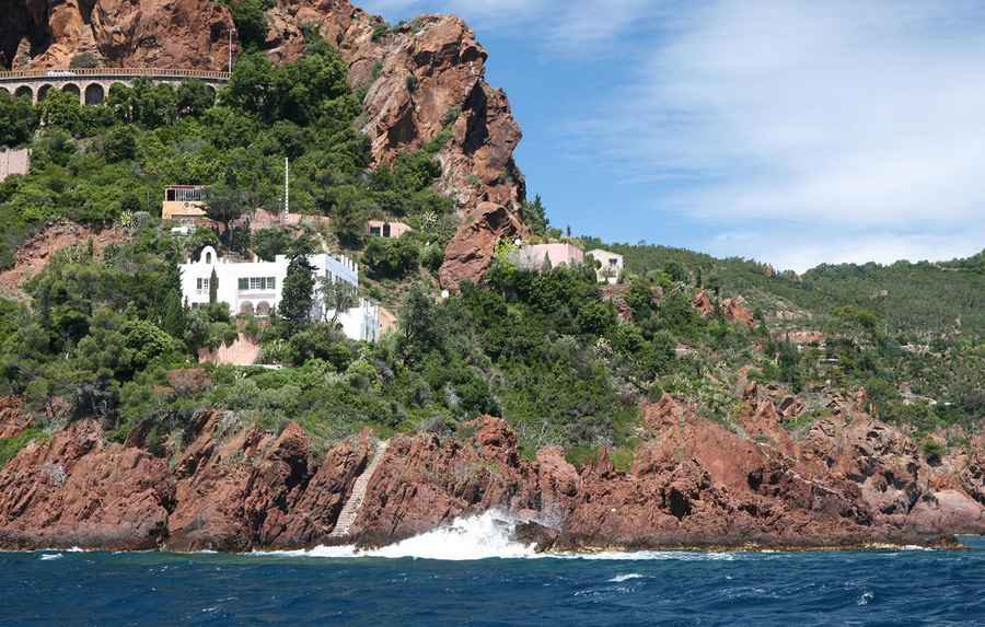 VILLA THEOULE SUR MER - FIRST ON THE LINE