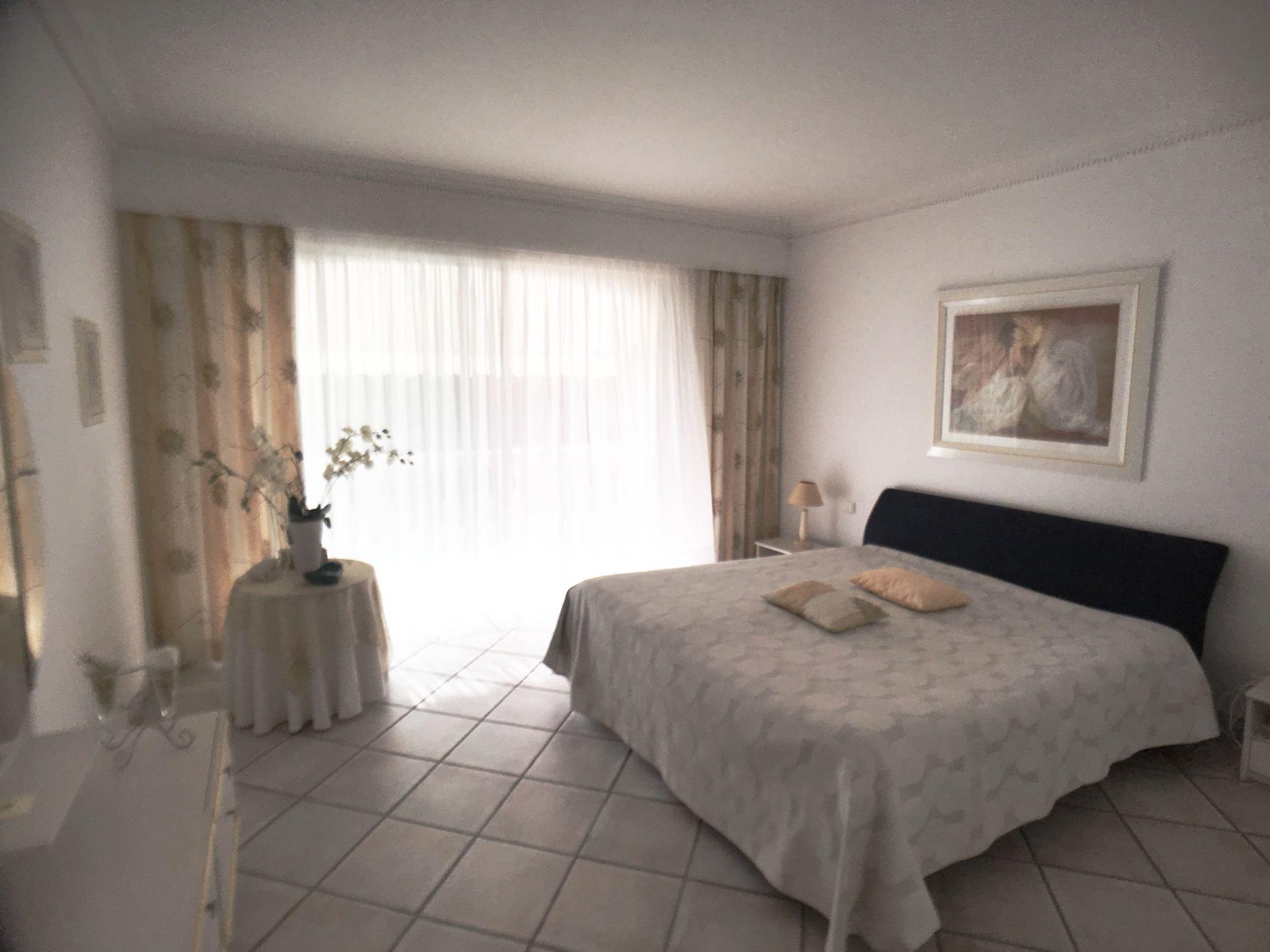 7 rooms villa 247 m²