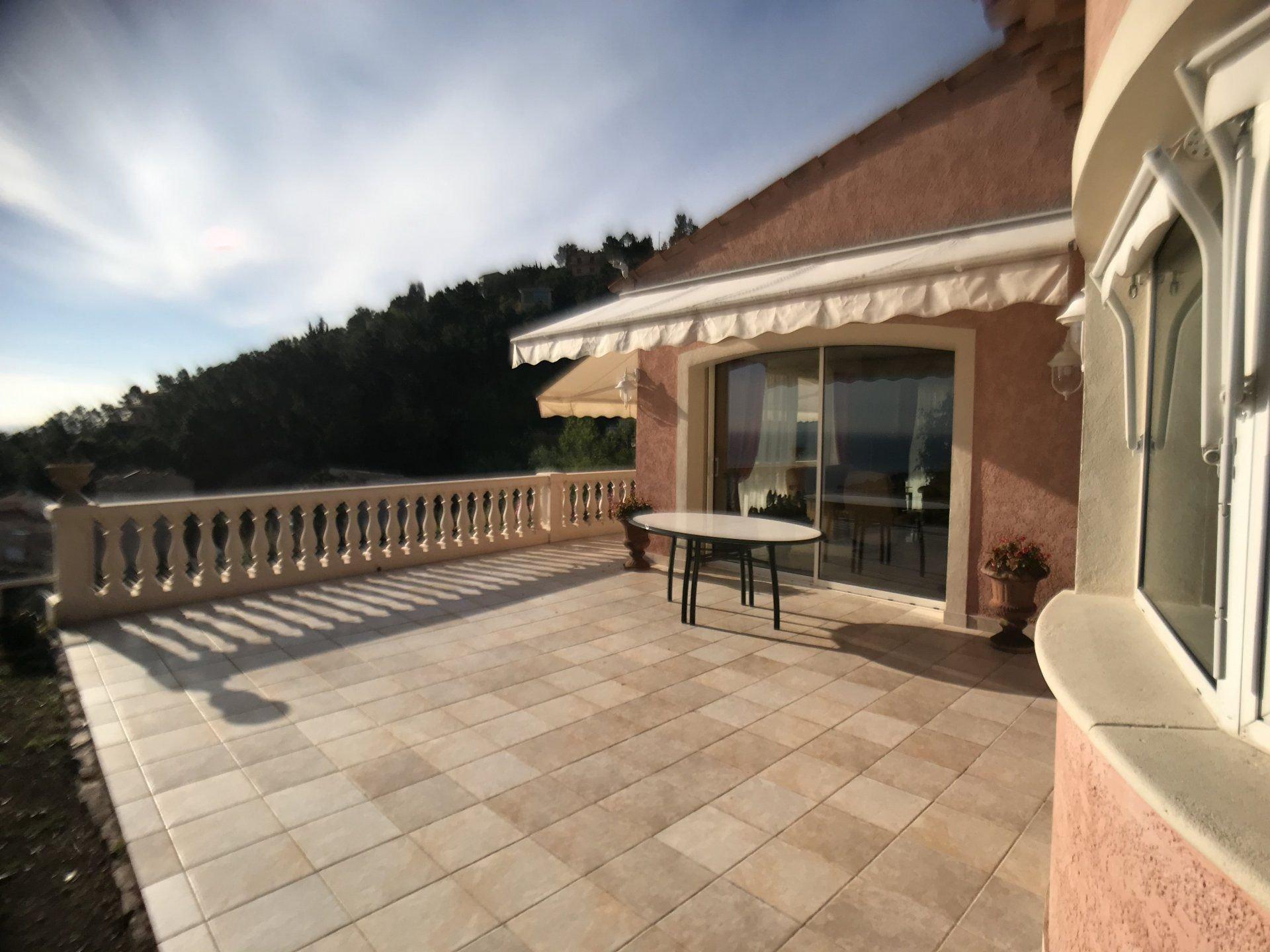 Villa 7 hab. 247 m².