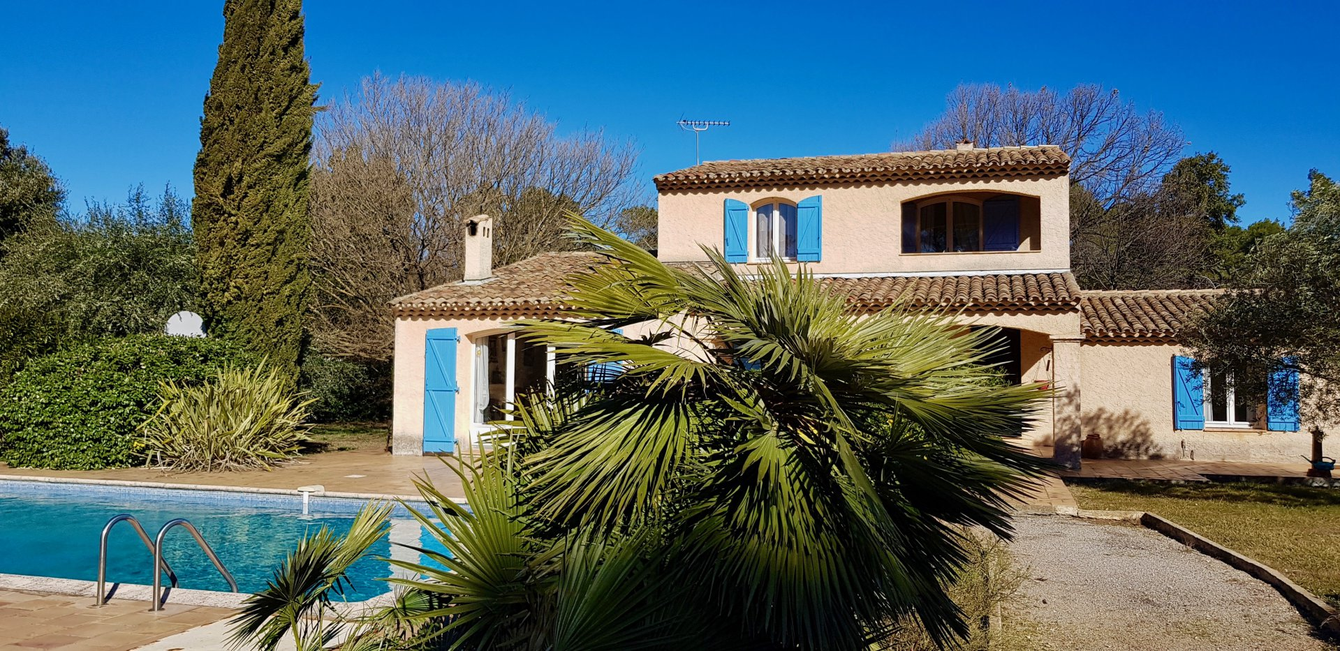 Provençale villa situated in a quiet area of Lorgues