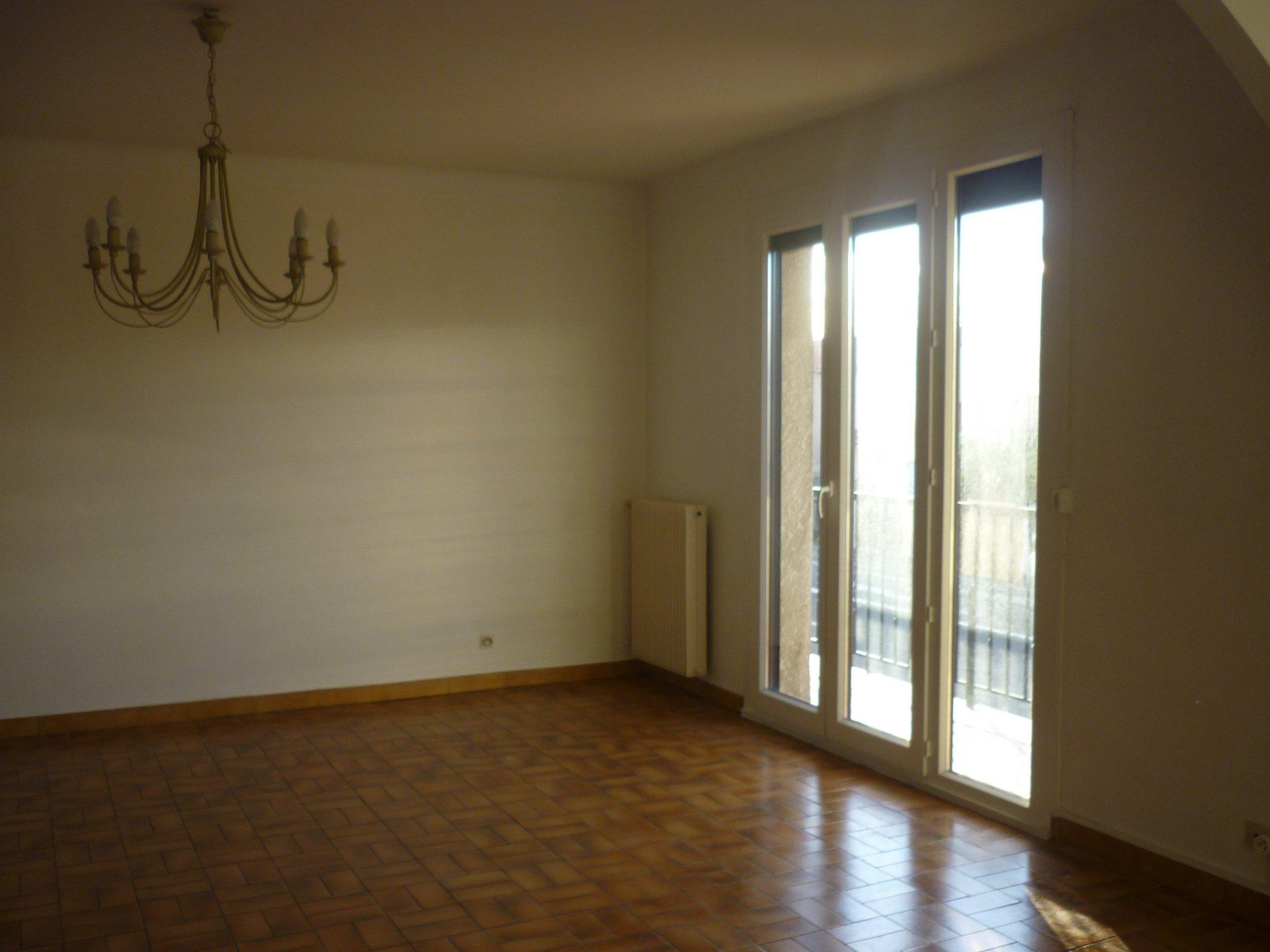 FLAT in Perpignan - dbi002545