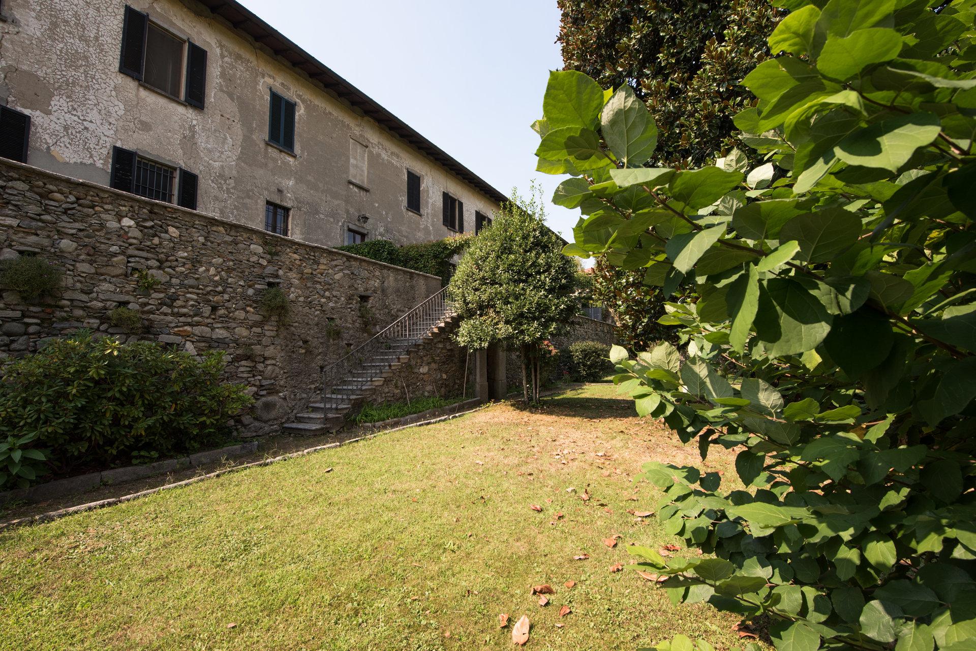 Prestigoius property for sale near Varese