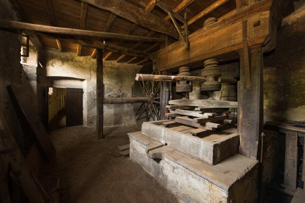 Prestigious property for sale near Varese - basement