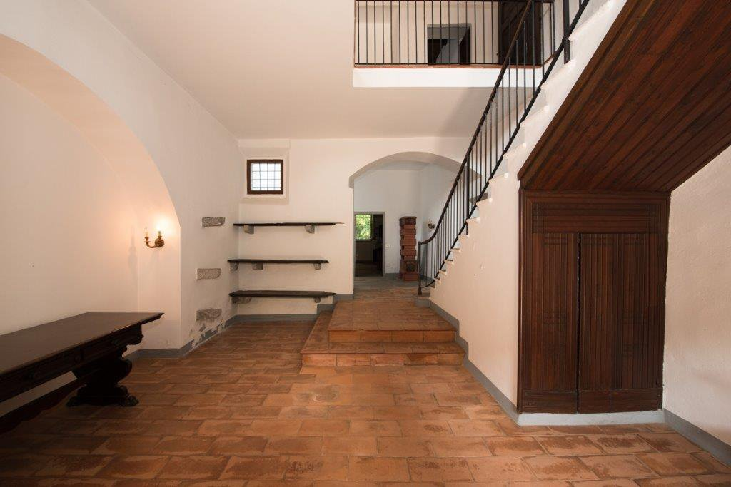 Prestigious property for sale near Varese - stairs