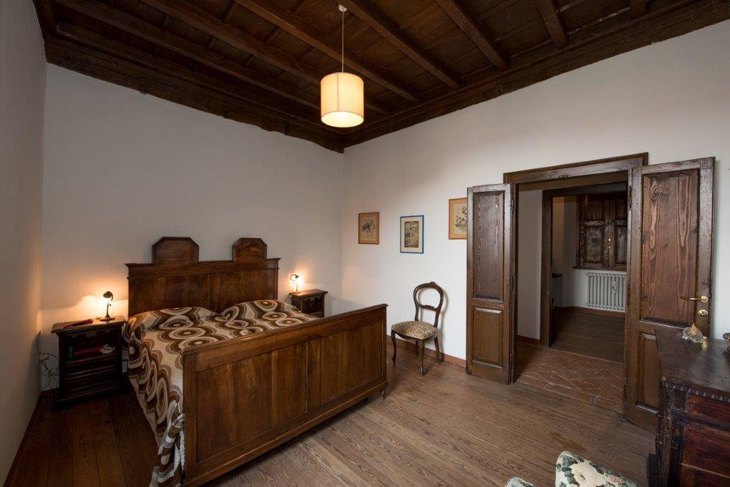 Prestigious property for sale near Varese - bedroom
