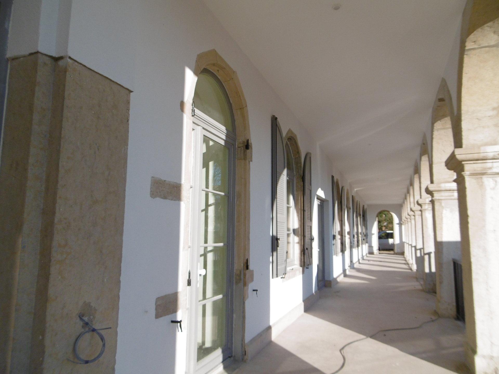 Brignais,  plateau dans un couvent à rénover