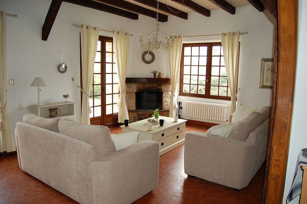 CORREZE - In hamlet, beautiful countryhouse with pool