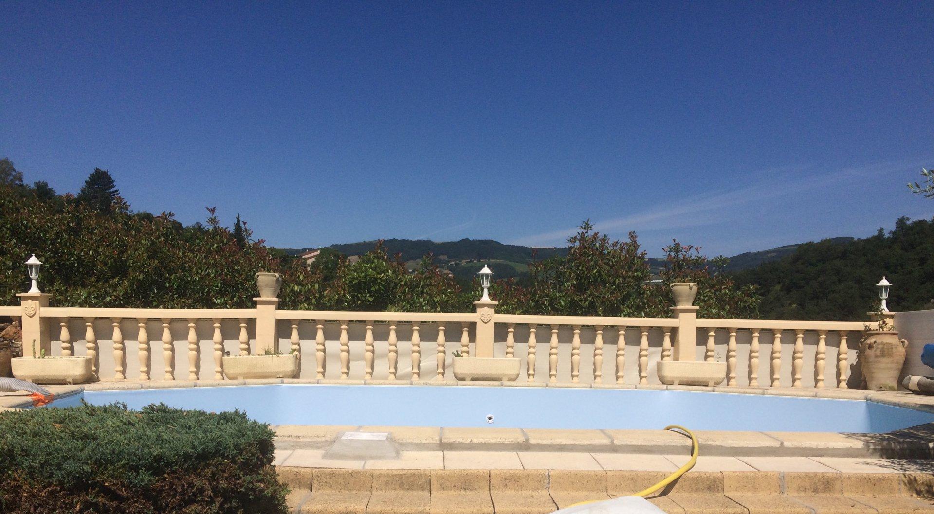 Maison de village 160 m², piscine, vue panoramique !