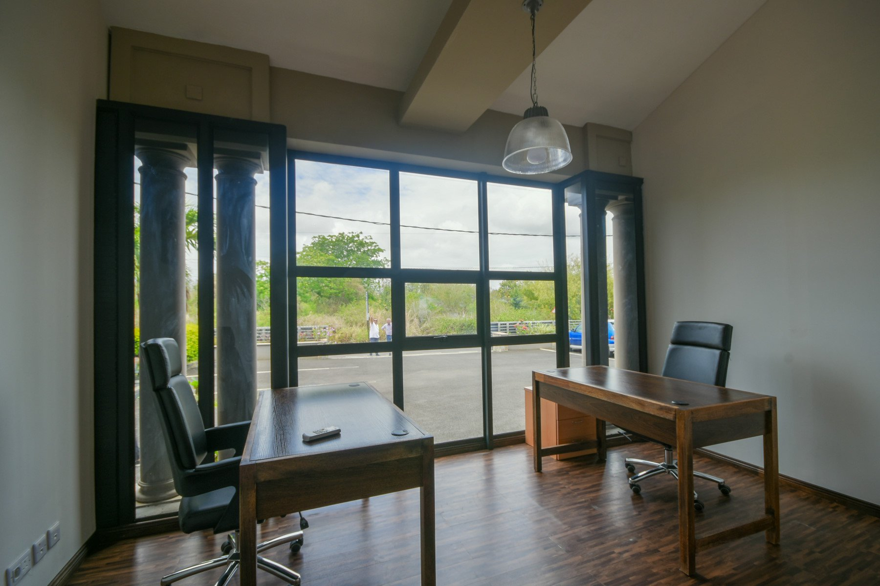 OFFICES 9 M2 TO 33 M2
