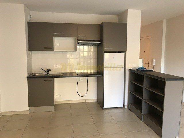 Appartement 2  pièces 72m²+terrasse+2 parkings