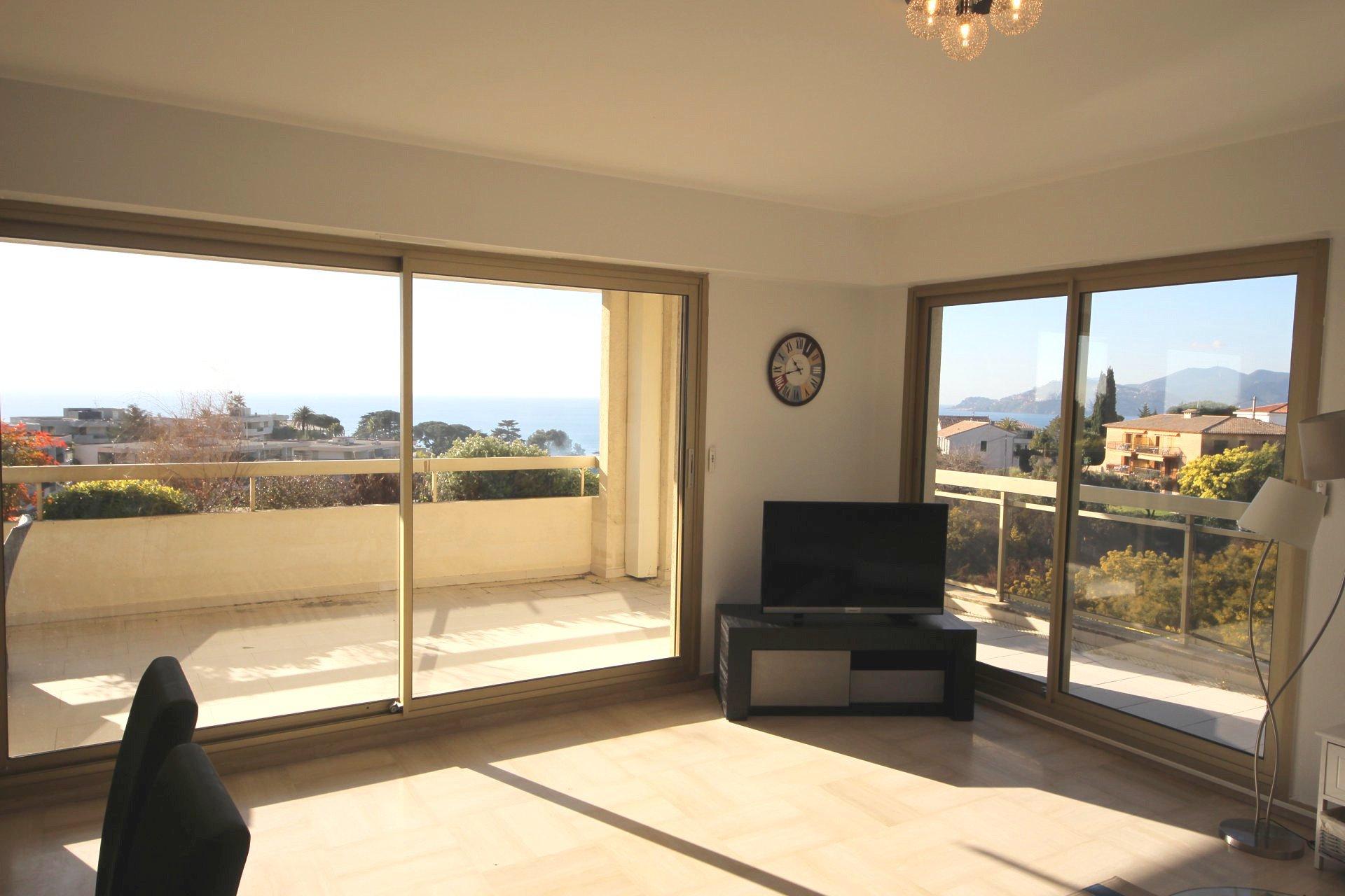 Cannes Croix des Gardes, 4p 118 sqm panoramic sea view, terrace 56m2