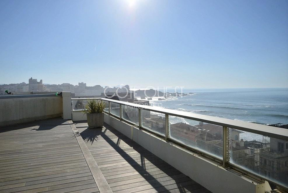 BIARRITZ, MIRAMAR NEIGHBOURHOOD. AN EXCEPTIONAL APARTMENT WITH TERRACES COMMANDING PANORAMIC VIEWS OF THE ATLANTIC