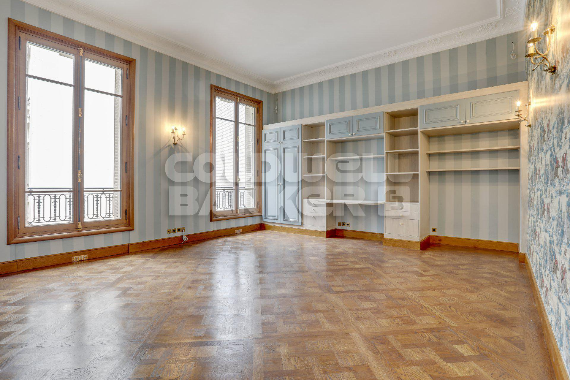 Sale Apartment - Paris 16th (Paris 16ème)