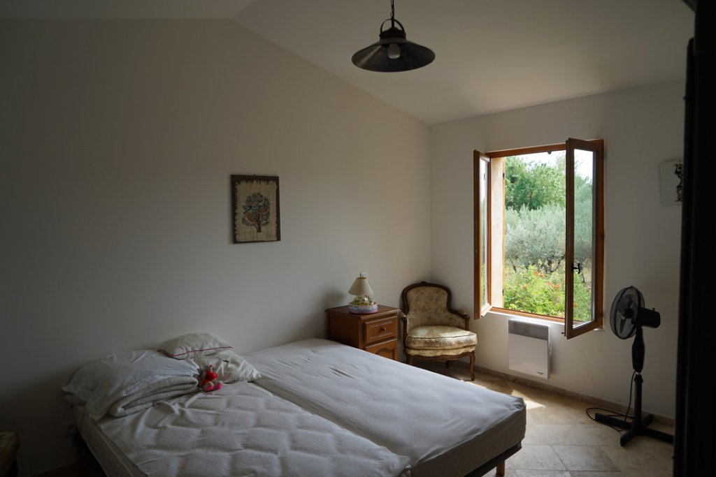 3 Bedroom House, Pool & 2 Bedroom Guesthouse WALKING DISTANCE