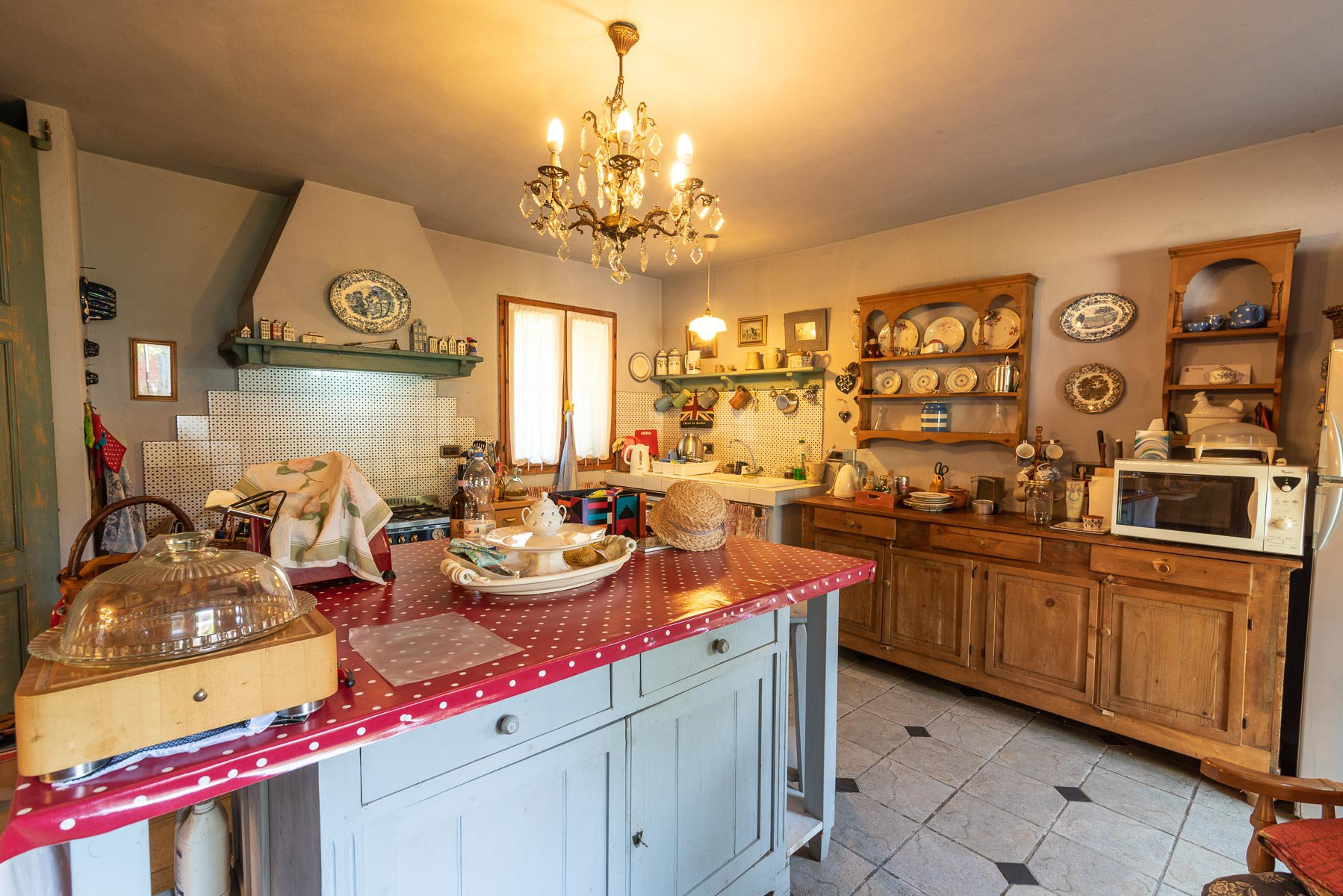Trait house of land for sale in Paruzzaro- kitchen