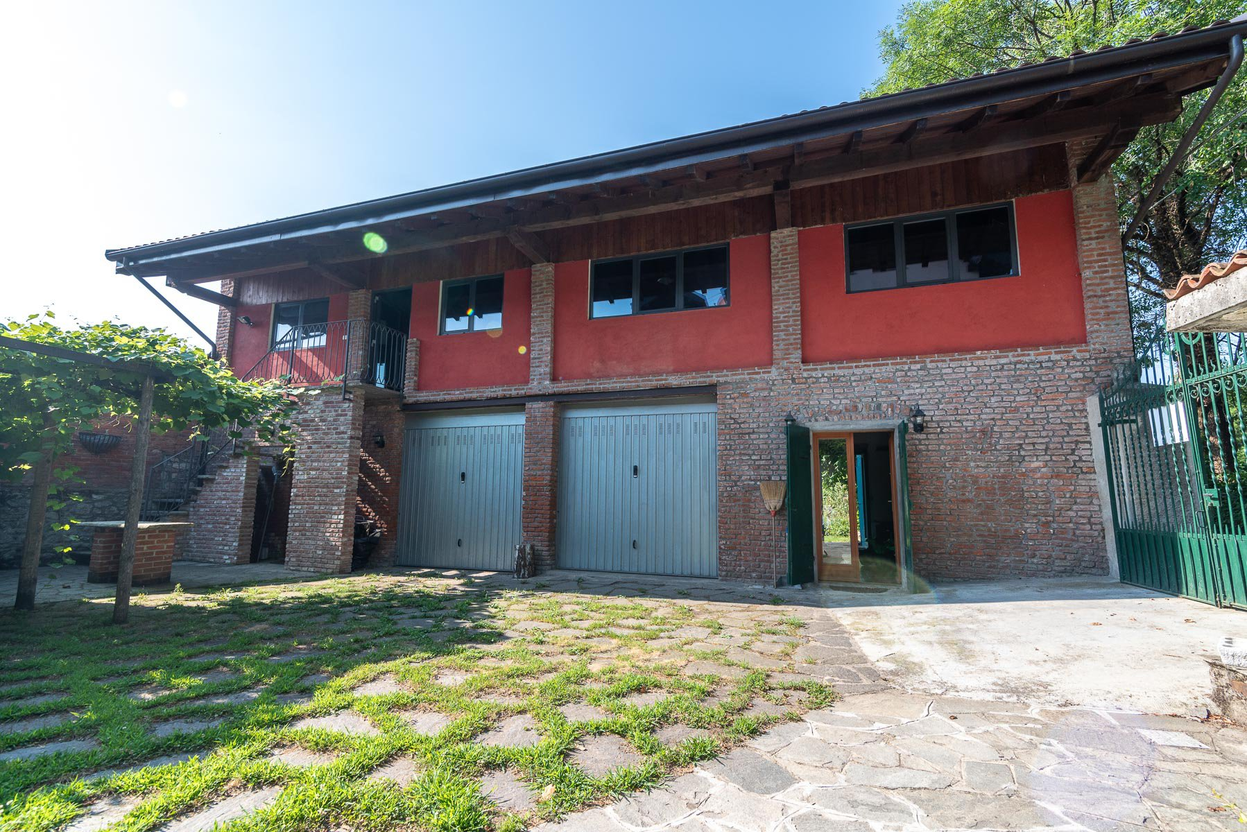 Trait house of land for sale in Paruzzaro- external side of real estate
