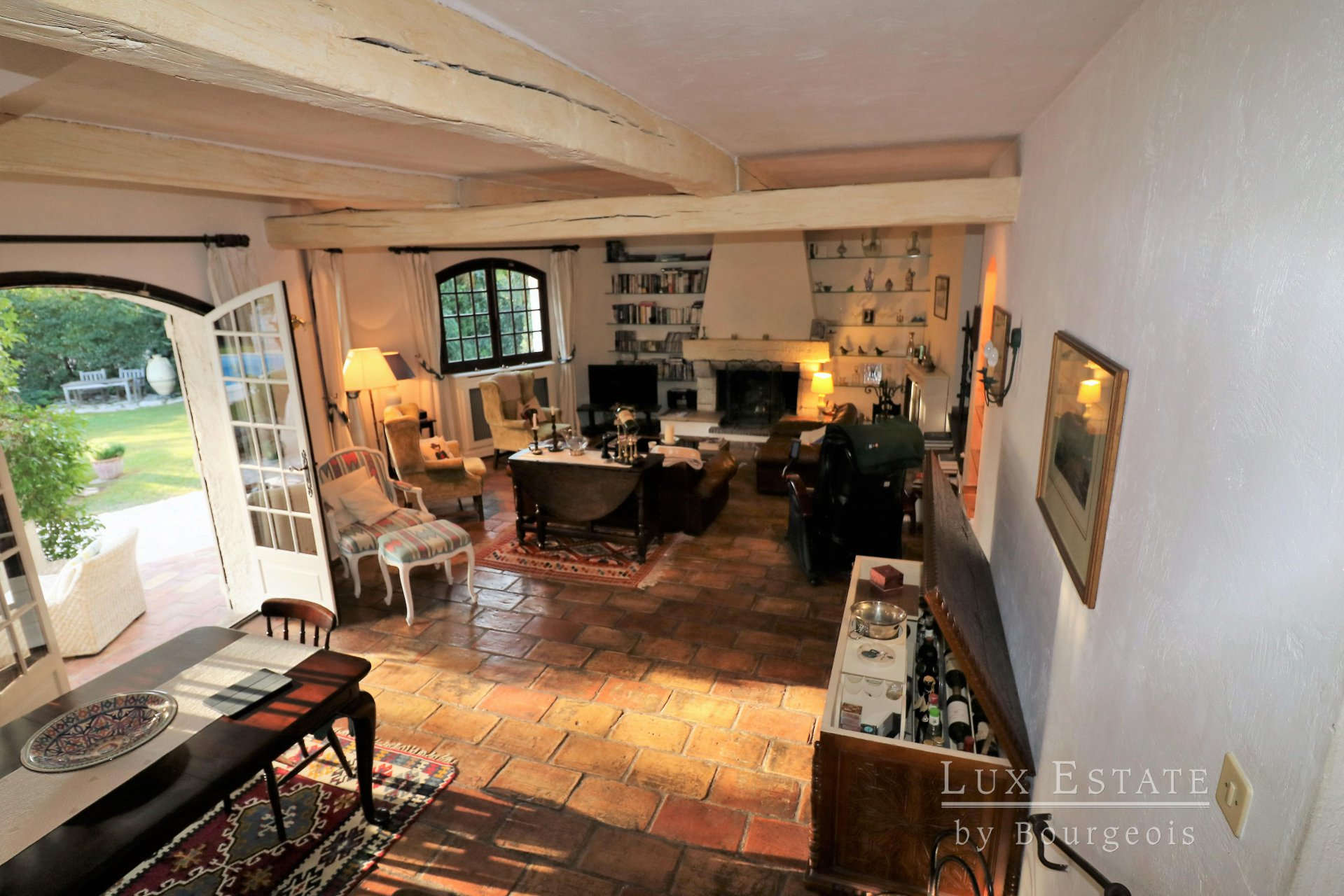 Sole Agency - For sale - Mougins, villa provençal style enjoying total peace