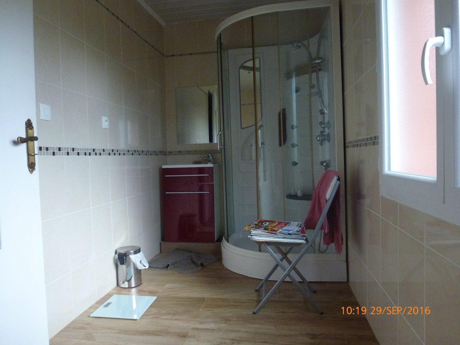 Maison spacieuse type F6 de 143 m² avec cave, garage et jardin à Montataire