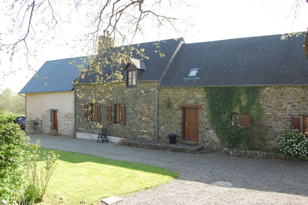 MANCHE - In the countryside, pretty cottage on 1.808 m2